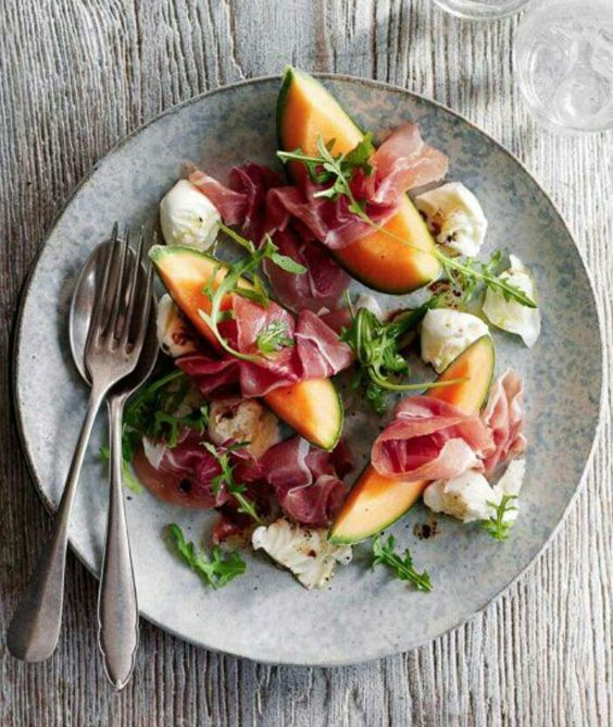 Parma and melon salad Melon, sliced Parma ham Rocket salad Mozzarella ...