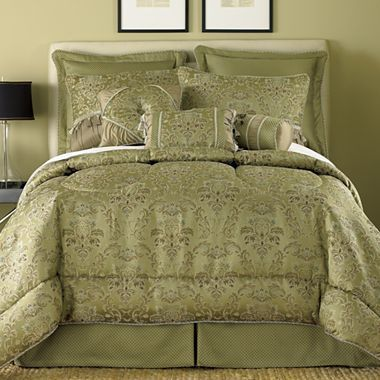 Accessories Chris D Elia And Comforter On Pinterest