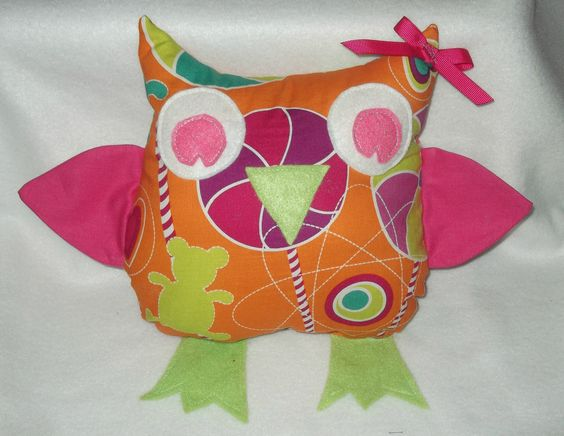 Hootie the Fabric Owl, made by Little Boo-Pips x