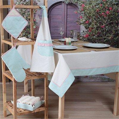 Şık ve farklı tasarımlanmış kullanışlı masa örtüleri