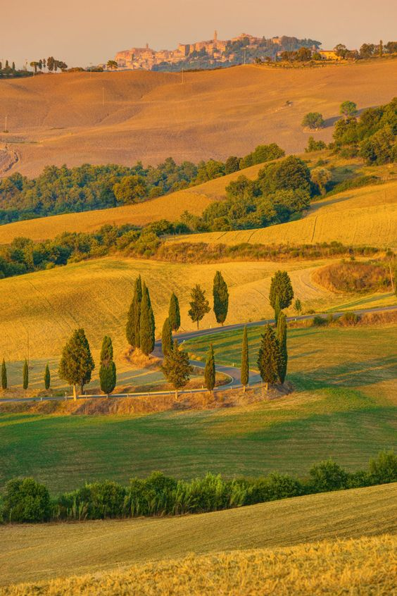 It looks like a painting, but it's #Tuscany in #Autumn #Italy.  Now is the moment to visit this spot. Find your cheap flight.