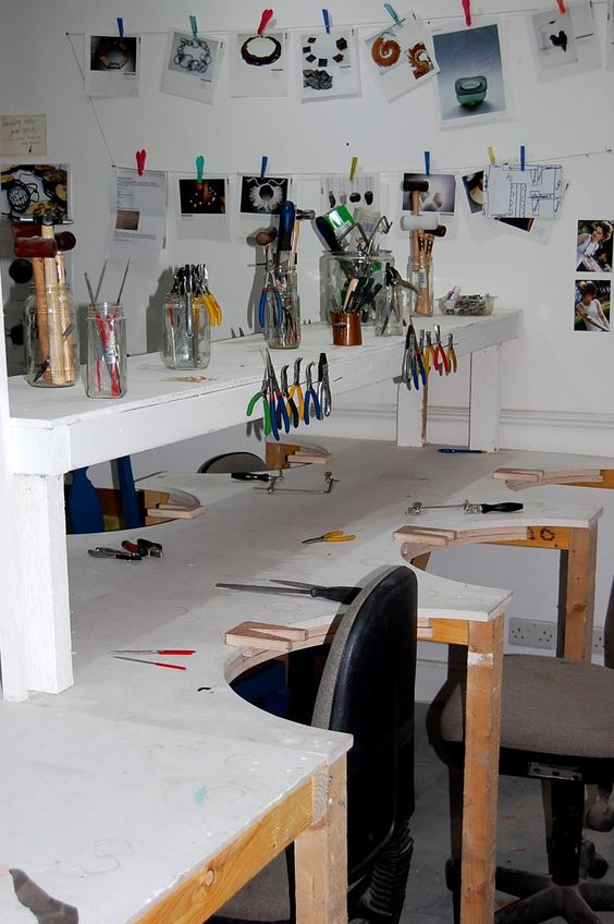 Plenty space in our jewellery studio for teaching our evening and weekend classes.