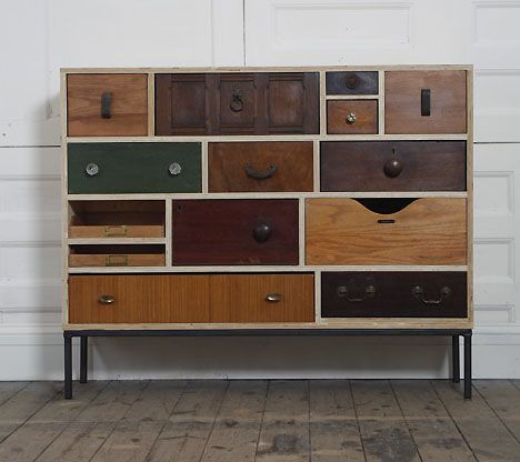 Discarded drawers have their uses.....upcycled drawers....inventive