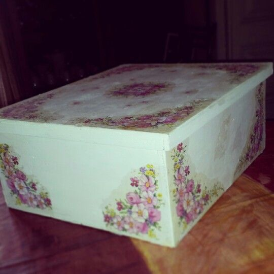 Caja de madera pintada y decorada con servilletas de papel - Servilletas decoradas de papel ...