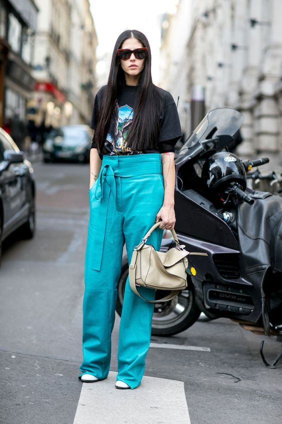 Street Style Snaps From Paris Fashion Week Fall 2015 | StyleCaster