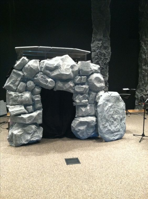 Paper m ch jesus 39 rock tomb holiday pinterest paper for Papier mache rocks