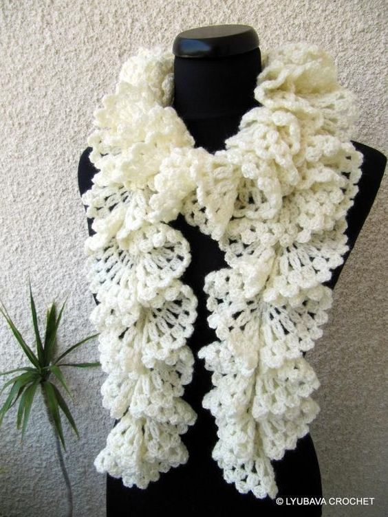 How To Crochet Ruffle Rose Scarf Free Pattern Tutorial For Beginners : Free pattern, Lace and Crochet scarfs on Pinterest