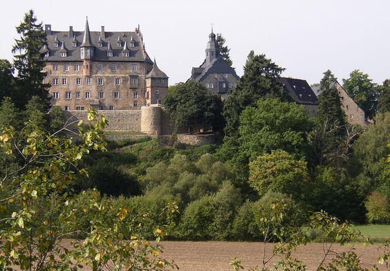 Datei:Lauterbach Schloss Eisenbach.jpg – Wikipedia
