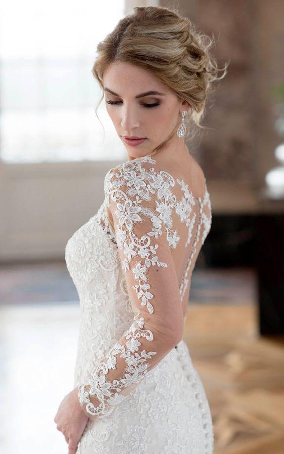 Sei schön, sei du selbst, #seicrusz ! Zum Bespiel in einem modernen Brautkleid von Diane Legrand! Foto: Diane Legrand