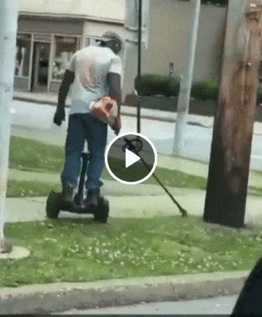 Veja a nova técnica para cortar grama.Só vendo pra acreditar!