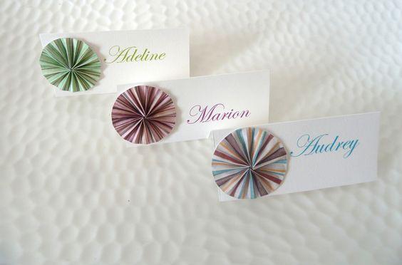 marque place rosace en origami rayures vert bordeaux. Black Bedroom Furniture Sets. Home Design Ideas