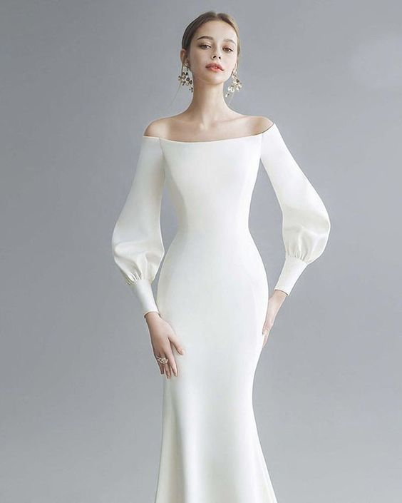 Modern chic wedding dress  #Chic #dress #modern #wedding