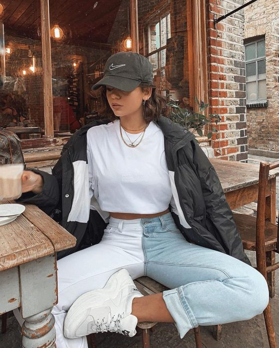 42 Casual Outfits That Will Inspire You This Spring outfit fashion casualoutfit fashiontrends