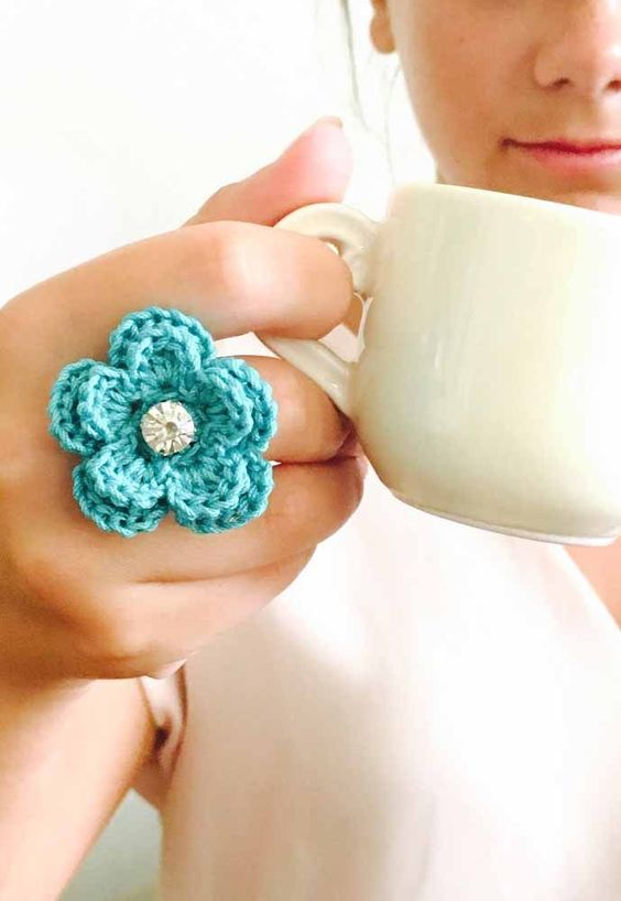 Aprenda a fazer lindos anéis de crochê