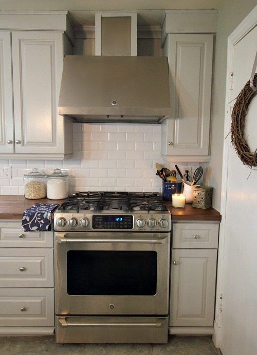 Pin By Mark On My House In 2020 Kitchen Range Hood Kitchen