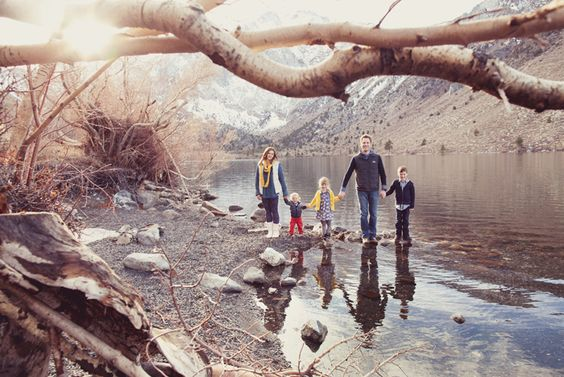 Joy is my absolute favorite photographer. I adore this winter themed lifestyle family session. :)