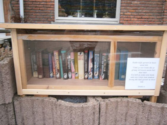 Boekenruilkast Sint-Michiels 4 Brugge