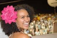Mariene de Castro - http://m.youtube.com/watch?v=i_pUMESd18g&list=PLGxvGQBMDmCLdGWoWo59CFCeHVn1n-CEA