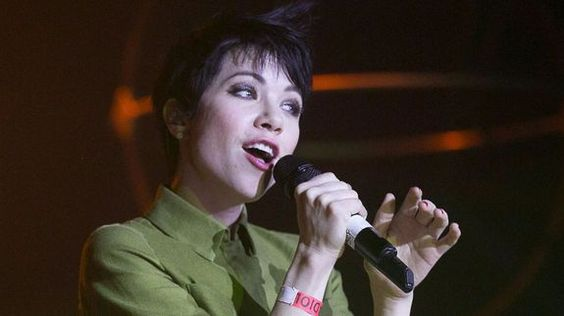 Carly Rae Jepsen releases 'Emotion Side B' and we really really like it