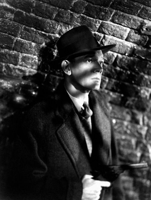 Joseph Cotten in The Third Man (Carol Reed, 1949) Great use of lighting to set the a dramatic atmosphere.