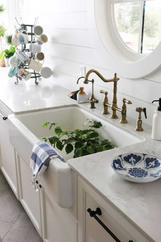 Carrara Gioia Quartz: Marble Alternative - The Inspired Room