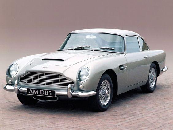 Un coche elegante para un espía elegante.