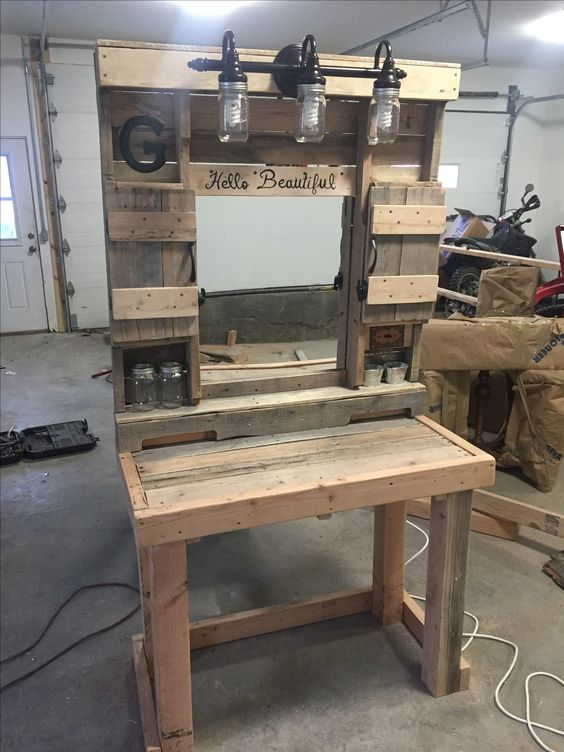 pallet makeup vanity built with pallet boards pallet projects pinterest. Black Bedroom Furniture Sets. Home Design Ideas
