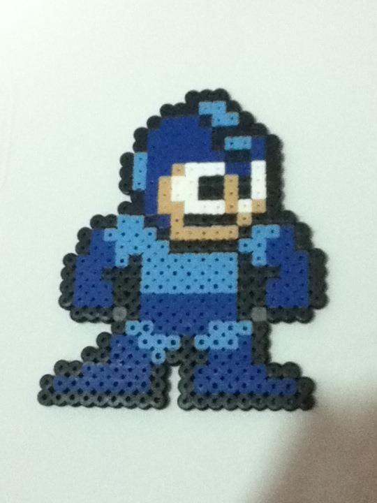 -Perler- Megaman by ~OtakuLuka on deviantART