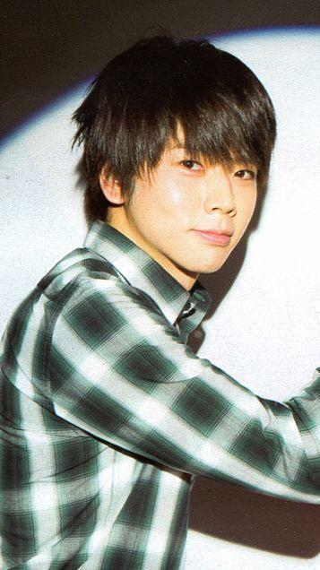 微笑む増田貴久
