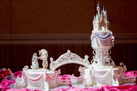 Disney Hochzeitsthema Hochzeitstorten mit prinzessin  Winter Hochzeit mit dem romantischen Märchen Thema