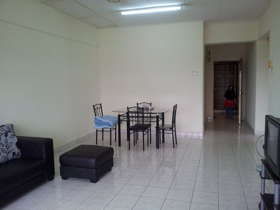 For Sale: Bayu Tasik Condo 1, Bandar Sri Permaisuri Location: Cheras, Kuala Lumpur Type: Condo/Serviced Residence Price: RM450000 Size: 962 sqft  MOHAMAD HARIRI 0104290142