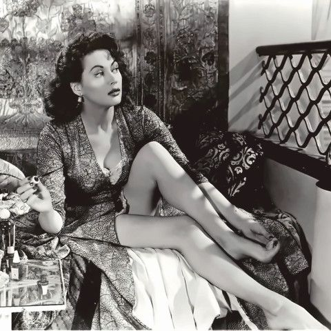 """Yvonne DeCarlo, 1940's, before """"The Munster's"""""""