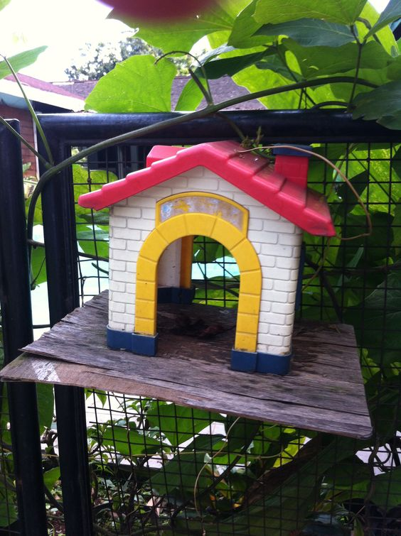 Reused toys for birdhouse