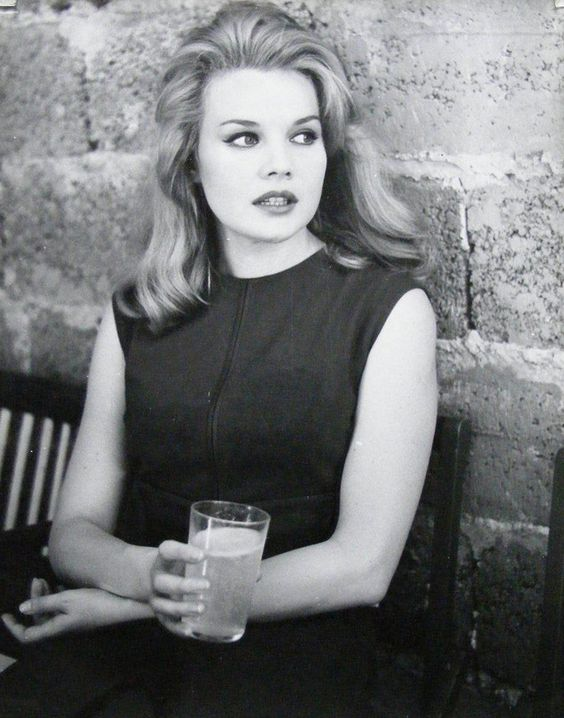 Carroll Baker, one of the other stars of Giant.