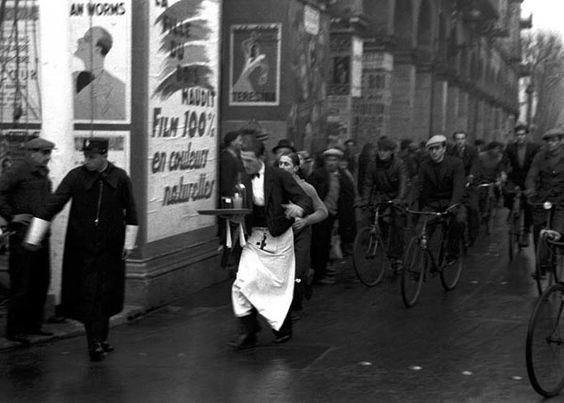 1930 - Course de garçons de café:
