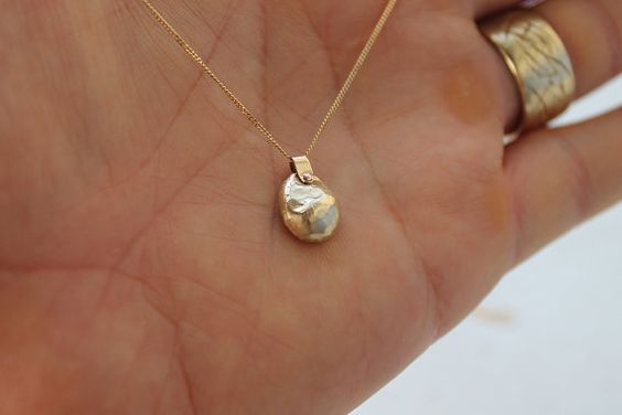 PIECE 14k gold necklace / gold pendant necklace / by shauljewelry