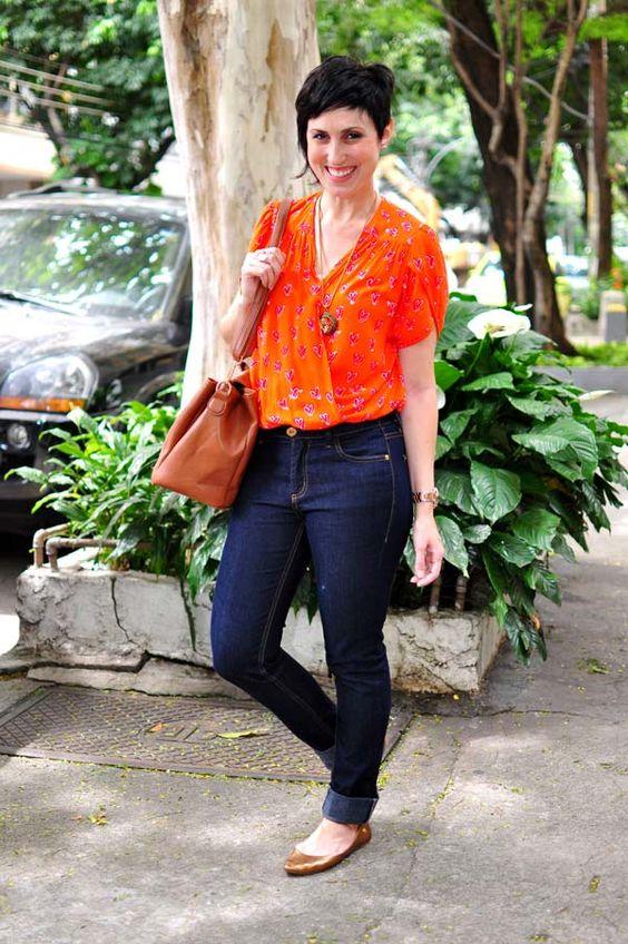 Comentei que estava tão empolgada com minha blusinha laranja, com certeza será a minha salvadora dos looks limitados nos dias de verão, que já tinha pensad