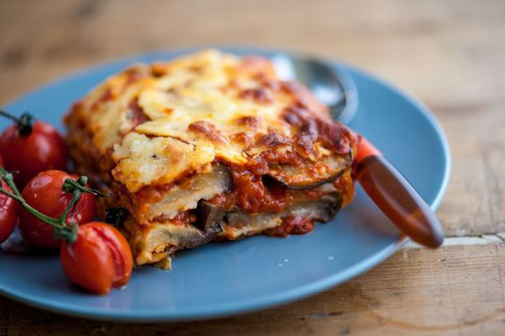 Try this simple recipe for a gorgeous Mediterranean aubergine parmigiana