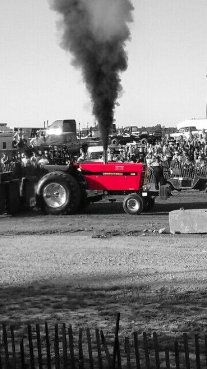 Black White An D Tractor Pulling Wagon : Tractor pulling wrong color but i like the black and