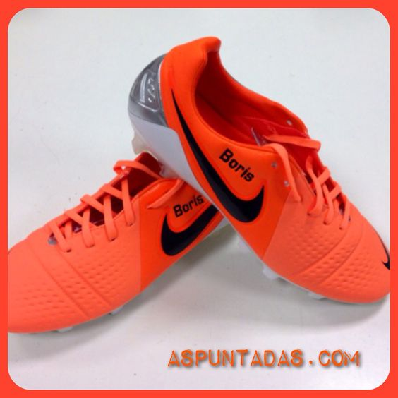 Bordado deportivo en Nike actor