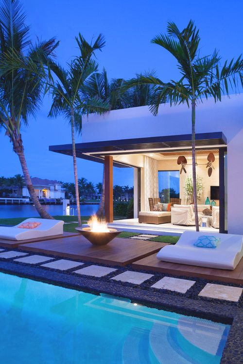Modern back yard outdoors palm trees pool mansion - Modern house with pool ...