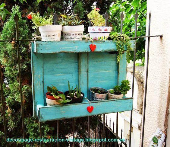 Diy estanter a para macetas con palets reciclados for Estanteria plantas interior