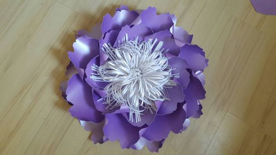 Gorgeous, elegant, bespoke and handmade giant paper flower- chair decorations.The flower size is 23 inches (58.5cm). Any colour available- custom your order. Discounts for large purchases.   The listing does not include a wall - flowers will come fully assembled and ready to install onto your surface. Please contact me if you need different colour or size.  We offer a Hire service, convo me for more details.   You can see our work: https://m.facebook.com/weddingpaperflowerdesign…