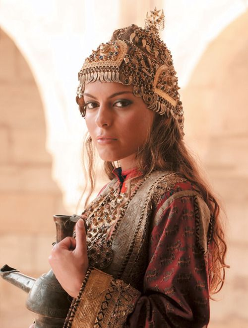 Azerbaijani traditional costume Traditional headwear is my favorite: