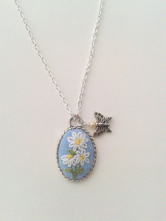 Daisy bouquet hand embroidered pendant necklace by