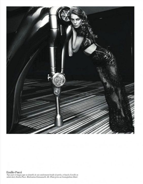 Daria Werbowy's 70-Page Editorial in Vogue Paris' February 2012 Issue!