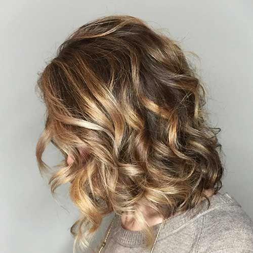 Medium Length Loose Curls With Face Framing And Light Layering Shortcurlyhairsty Medium Hair Styles Short Curly Hairstyles For Women Medium Length Hair Styles