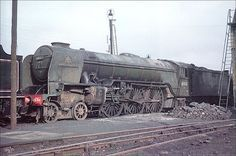 """60113 """"Great Northern"""" : Alone in its class, solitary Thompson rebuild of the original Gresley Pacific No 4470 in 1945 . Photo. W.Potter."""