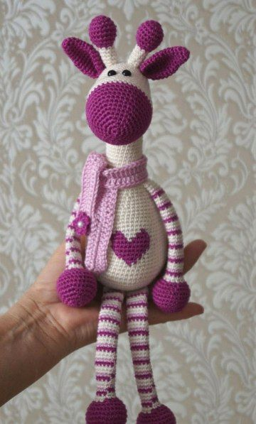 Hearty Giraffe Amigurumi Free English Pattern: