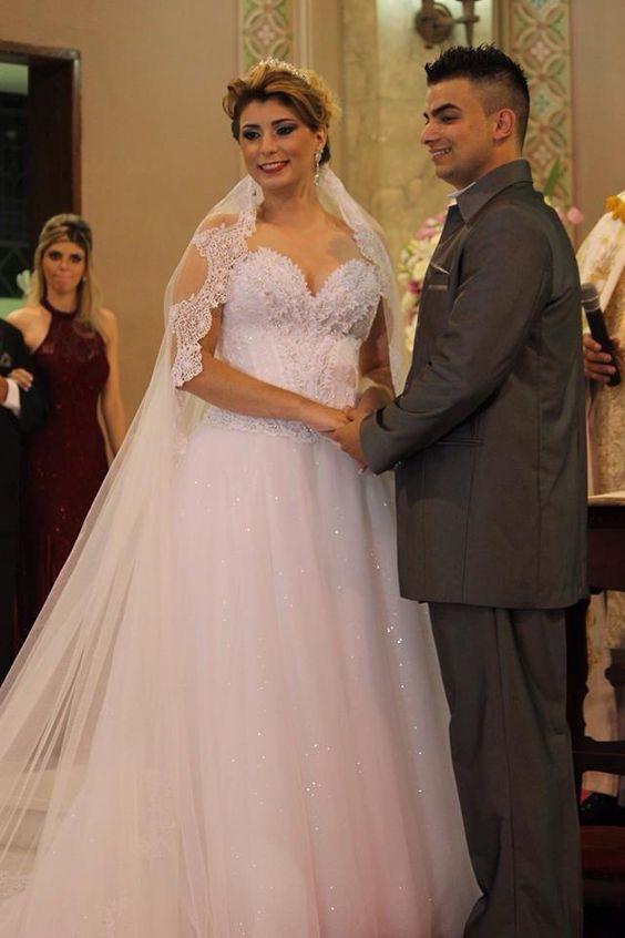 Jessica Vieira S. de Almeida  #vestidosdenoiva #casamento #wedding #bride #noiva #weddingdress #weddingdresses #bridal